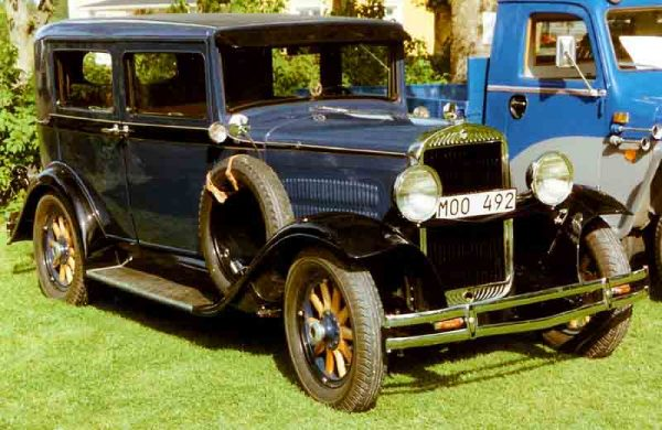 A 1928 Essex by Lars-Göran Lindgren Sweden - Own work. Licensed under CC BY-SA 3.0 via Wikimedia Commons - http://commons.wikimedia.org/wiki/File:Essex_Super_Six_4-Door_Sedan_1930_2.jpg#mediaviewer/File:Essex_Super_Six_4-Door_Sedan_1930_2.jpg
