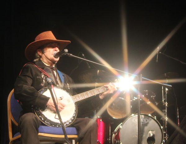 Dick making that banjo shine