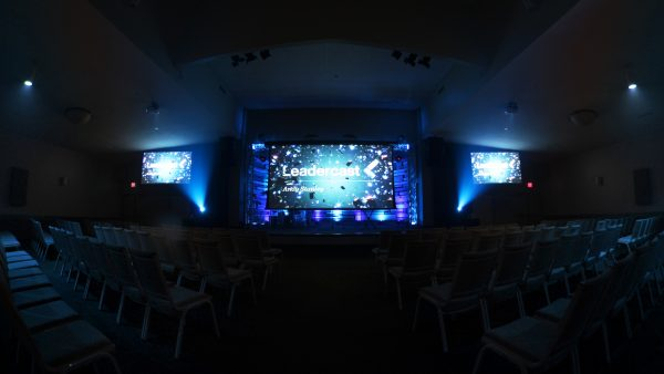 Leadercast Stage