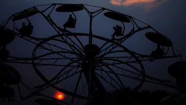 County Fair, Ferris Wheel Smaller