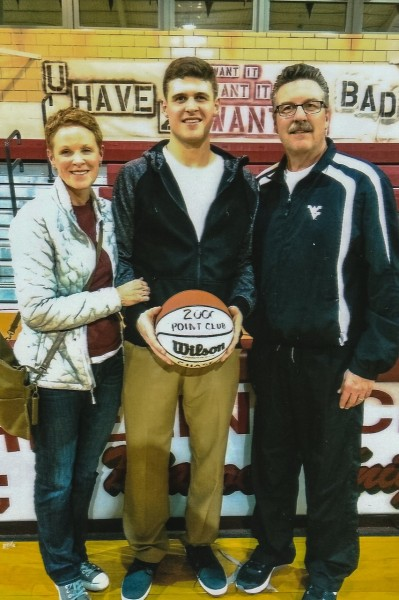 The Harler family on the evening Chase surpassed the 2,000-point plateau.