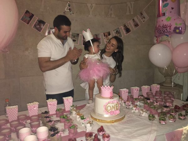 banan-and-husband-celebrating-the-first-birthday-of-their-daughter