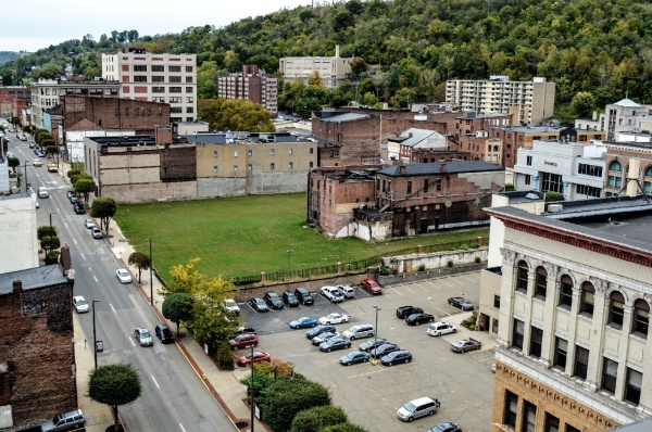 Wheeling - 1100 blocked - green space