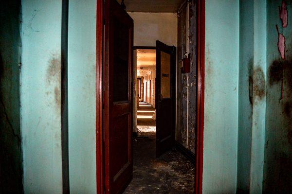 Wheeling - old hotel hallway