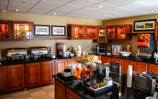 This room is dedicated to the continental breakfast that is offered at the Wheeling hotel seven days a week, featuring both cold and hot meals, coffees and teas, and free fruits. Its decor is dedicated to Oglebay Park.