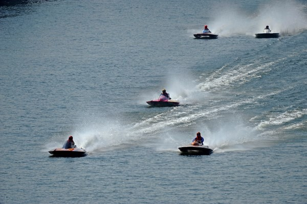 Weather permitting, the two days are chalk full with exhibition heats on the Ohio River.