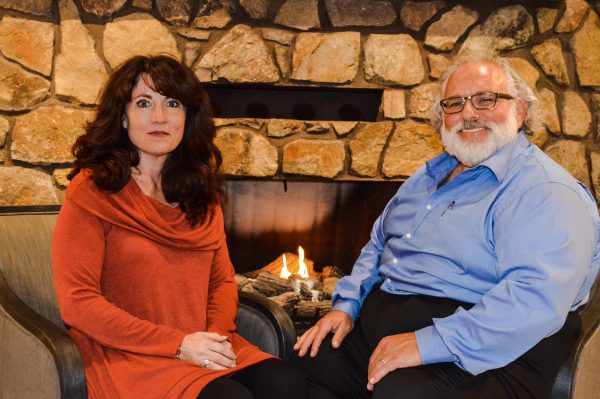 Sharon and Fred DeChiazza recently celebrated their 39th wedding anniversary.