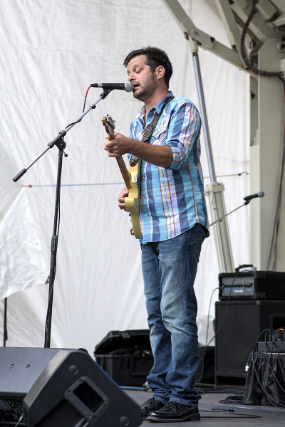 Local performer Adrian Niles played to a big crowd during last year's Arts Fest.