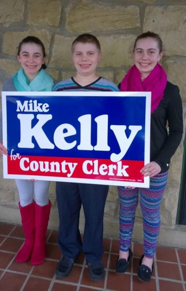 These residents - Abie, Kelly & Madie Riedel - have assisted the Kelly campaign.